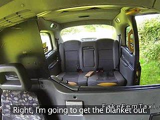 Λεσβιακό ταξί πορνό