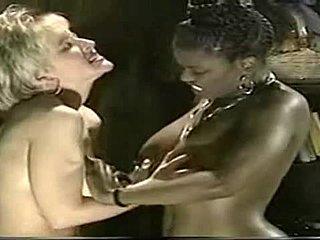 čierna lesbain videá