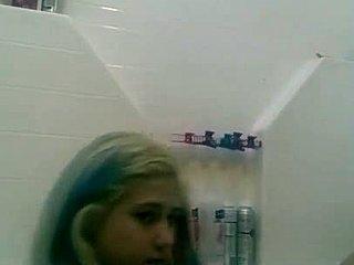 blondínka MILF sprcha Análny sex s veľkými čiernymi kohúty