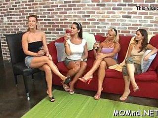 Milf lesbians Porno-Videos