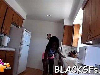 γυμνό Ebony κορίτσι βίντεομεγάλο μαύρο πουλί εισαγωγικά