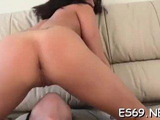 Asiatisk ansigt sidder porno