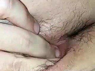 Υγρό μουνί μπικίνι