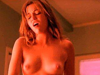 Έφηβος γυμνό διασημότητες δωρεάν τεράστια βυζιά πορνό βίντεο